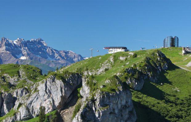 Restaurant le Kuklos, vue sur les Dents du Midi et le Mont Blanc